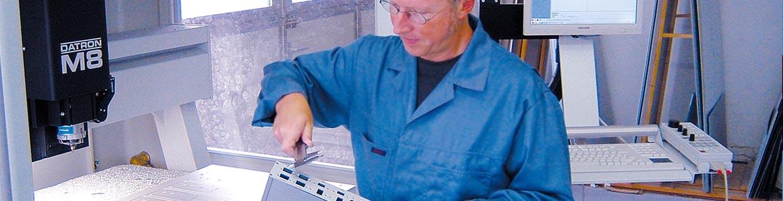 Präzision und Qualitätskontrolle - bei uns bekommen Sie höchste Qualität. Service vor, während und nach der Produktion ist bei uns selbstverständlich.